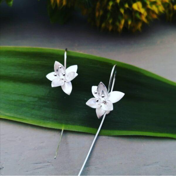 MILLINGTONIA FLOWER EARRINGS